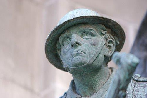 statue of WW1 soldier